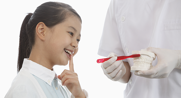 少女歯みがき指導